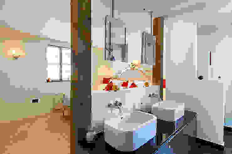 £1.25mm Family 4 storey home—London Modern houses by KDesign - KDevelopments Modern