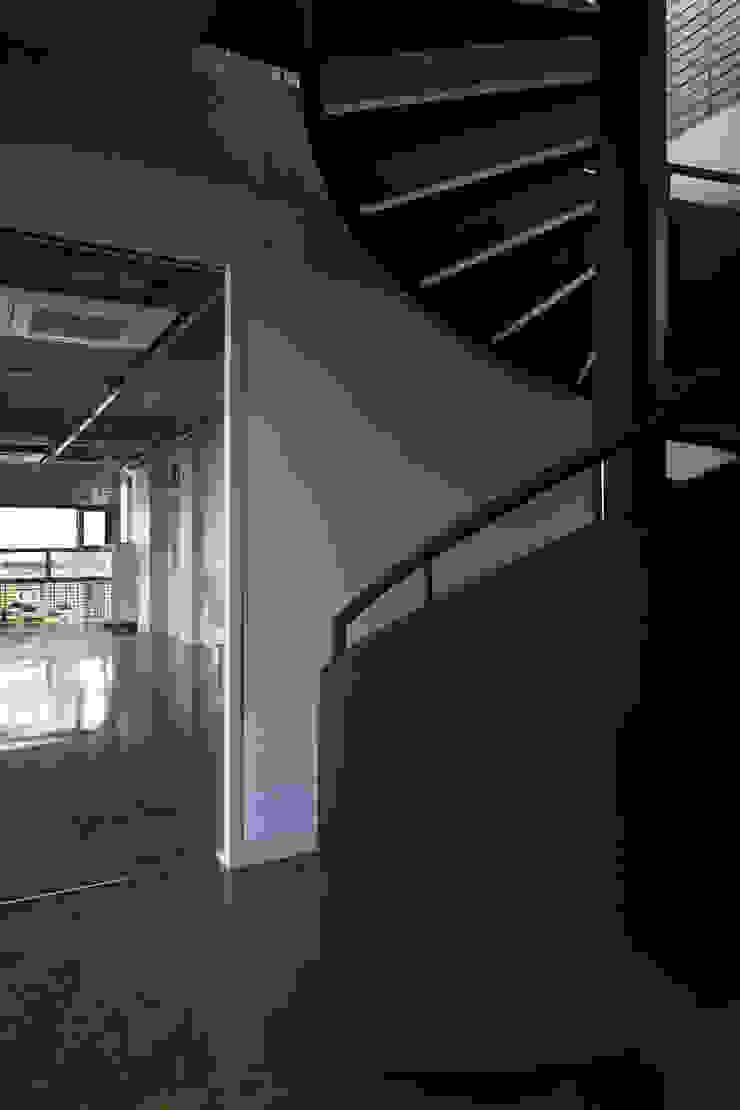 Sinjinmal Building 주택 by studio_GAON