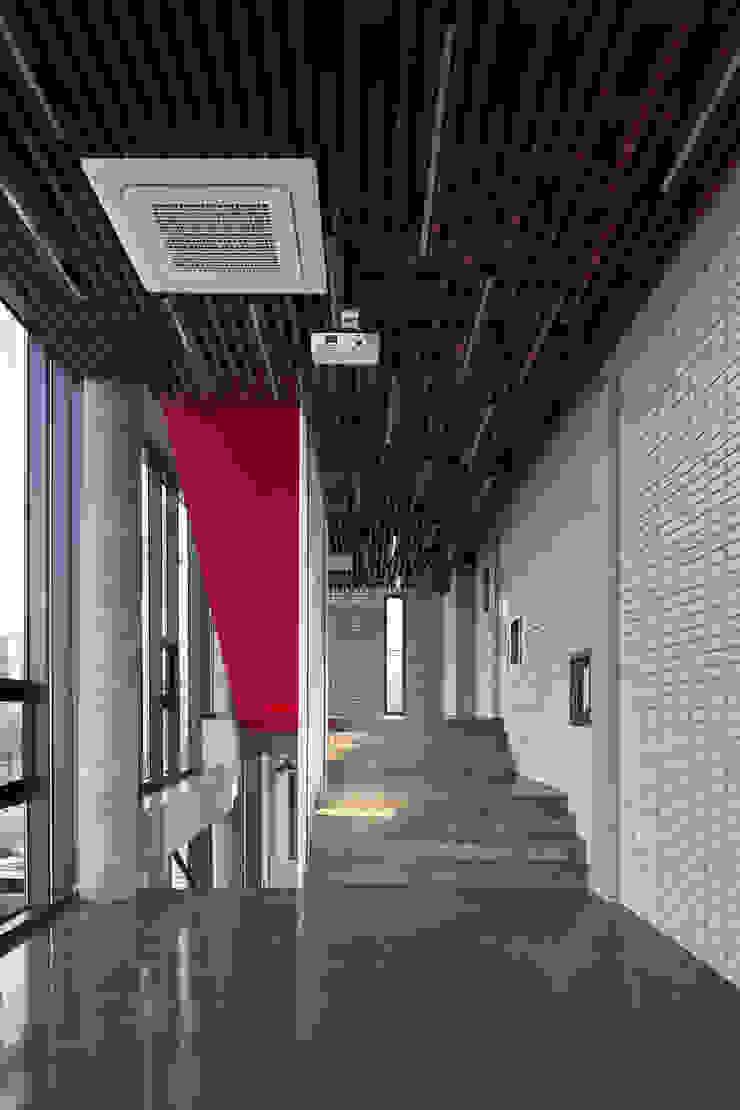Sinjinmal Building by studio_GAON