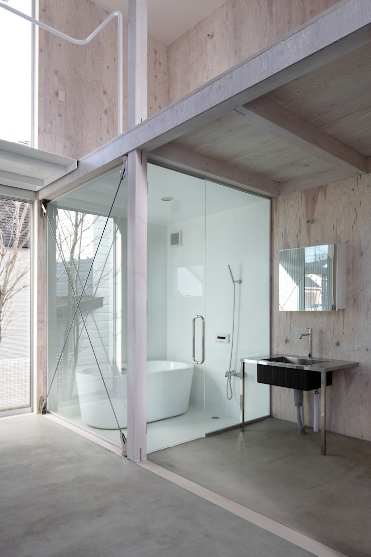 House in Kashiwa, Unfinished house ミニマルスタイルの お風呂・バスルーム の 山﨑健太郎デザインワークショップ ミニマル