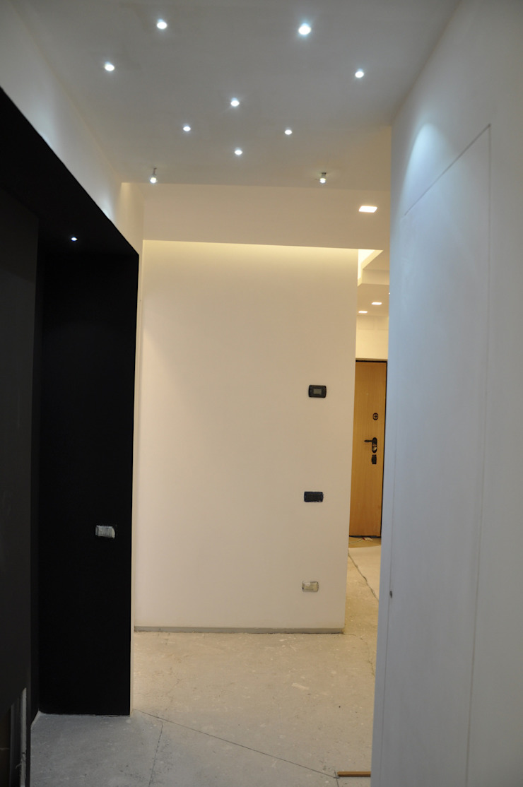 Modern Corridor, Hallway and Staircase by Arch. Andrea Pella Modern