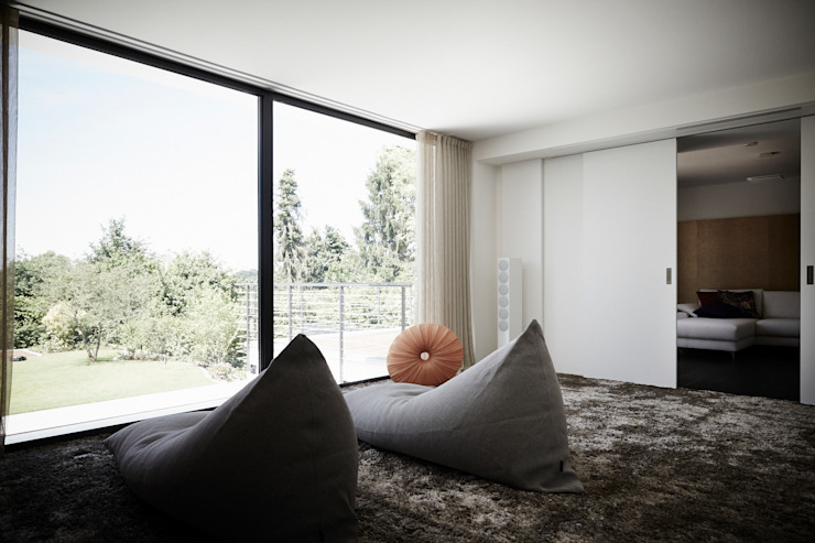 Bedroom by HOME Schlafen & Wohnen GmbH, Modern