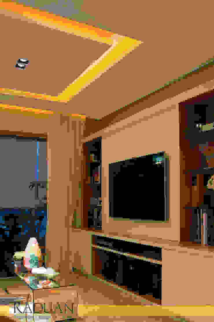 Apartamento 100 m² – Saúde por Raduan Arquitetura e Interiores Moderno