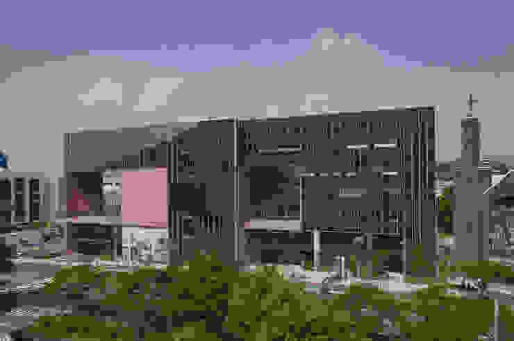 Yang Gok Vision Art Hall Rooms by 서인건축
