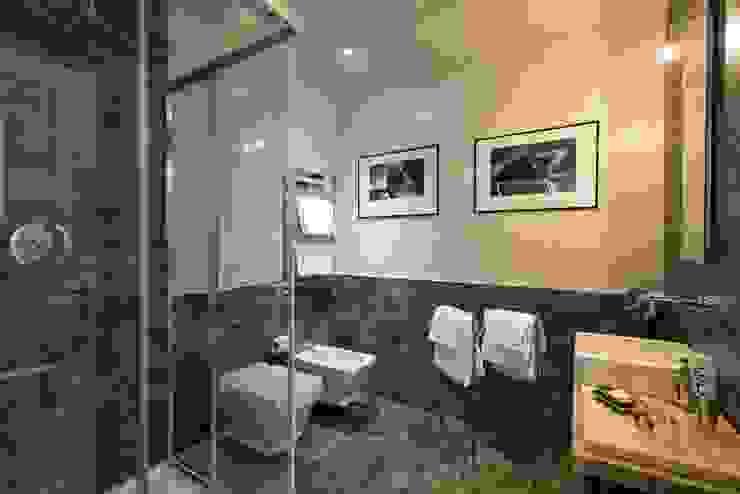 MOB ARCHITECTS Modern Bathroom