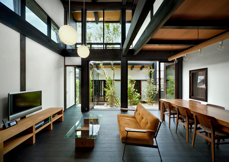 Asian style living room by 石井智子/美建設計事務所 Asian