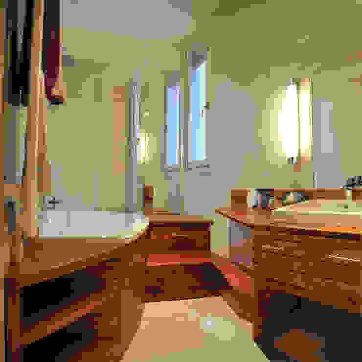 Banheiros ecléticos por alain vieux decoration Eclético