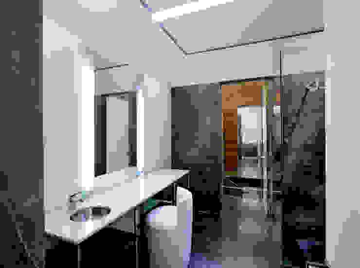MIKVE RAJEL 모던스타일 욕실 by Pascal Arquitectos 모던