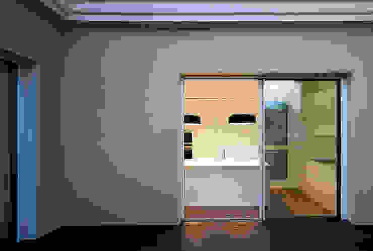 REFORMA DE ÁTICO Balcones y terrazas de estilo minimalista de DG Arquitecto Valencia Minimalista