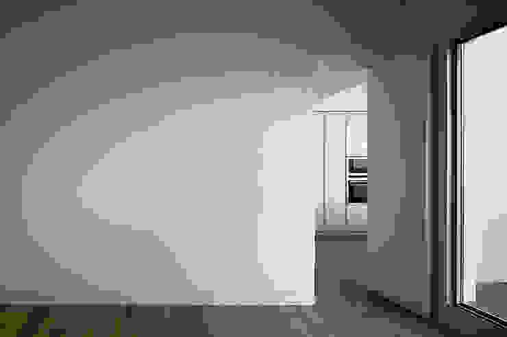 REFORMA DE ÁTICO Cocinas de estilo minimalista de DG Arquitecto Valencia Minimalista