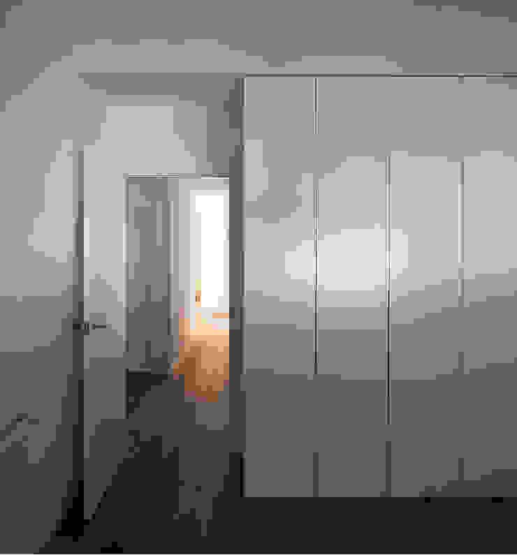 REFORMA DE ÁTICO Dormitorios de estilo minimalista de DG Arquitecto Valencia Minimalista