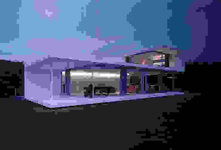 株式会社仲亀清進建築事務所 Casas modernas
