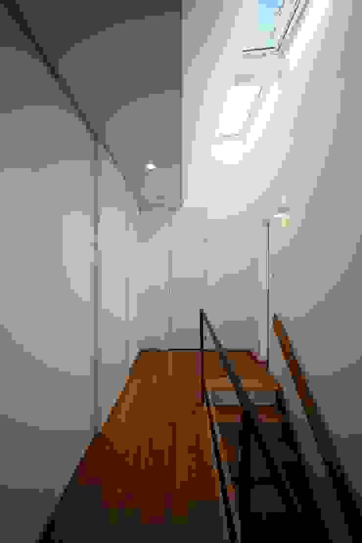 WHITE BOX 北欧風 家 の MITSUTOSHI OKAMOTO ARCHITECT OFFICE 岡本光利一級建築士事務所 北欧