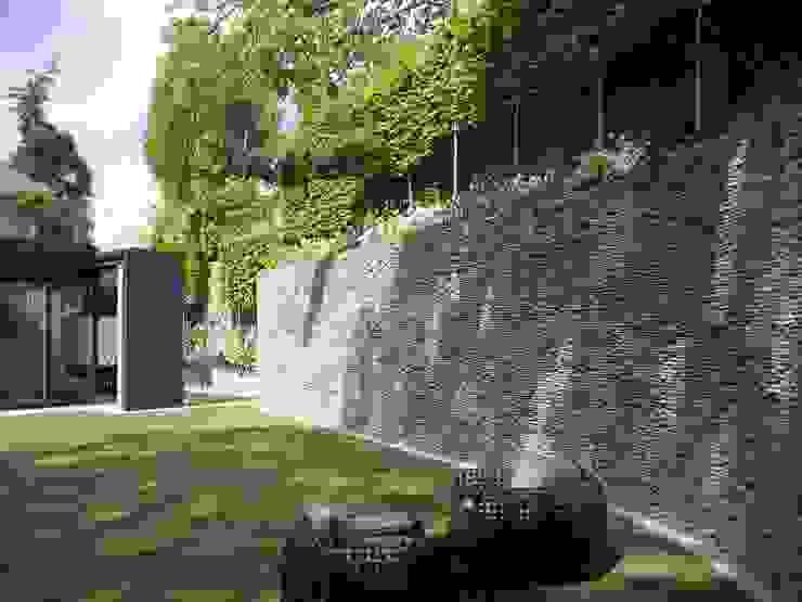 Redington Modern style gardens by Andrew Wenham Modern
