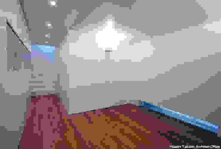 tah ミニマルスタイルの 玄関&廊下&階段 の 鷹取久アーキテクトオフィス ミニマル