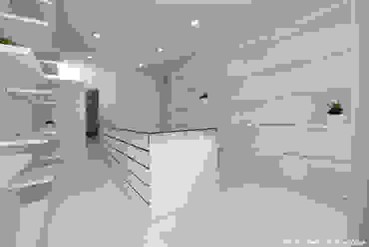 鷹取久アーキテクトオフィス Minimalist dressing room