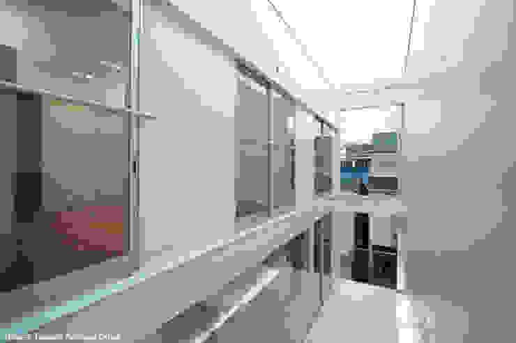 tah ミニマルデザインの テラス の 鷹取久アーキテクトオフィス ミニマル
