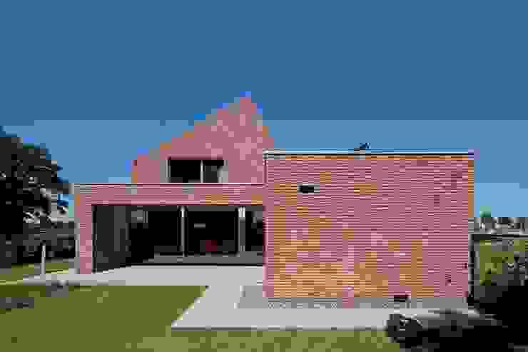 RielEstate Minimalistische huizen van Joris Verhoeven Architectuur Minimalistisch