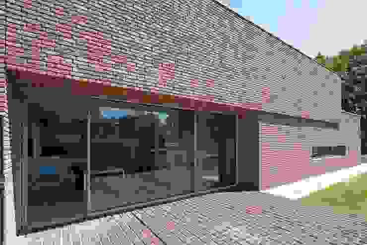 RielEstate Minimalistische balkons, veranda's en terrassen van Joris Verhoeven Architectuur Minimalistisch