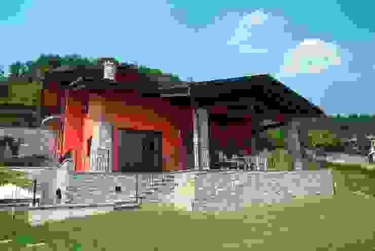 nuovo cascinale Case in stile rustico di Cava Gregis Rustico