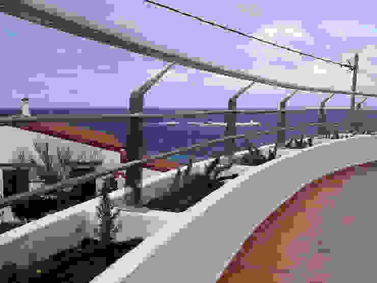 Balcony FG ARQUITECTES Modern balcony, veranda & terrace