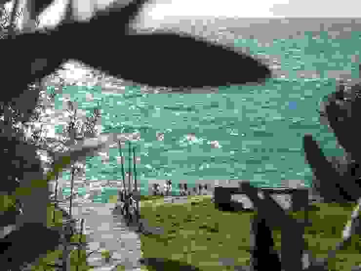 Vista mare Giardino in stile mediterraneo di 70m2 Studio di architettura Mediterraneo