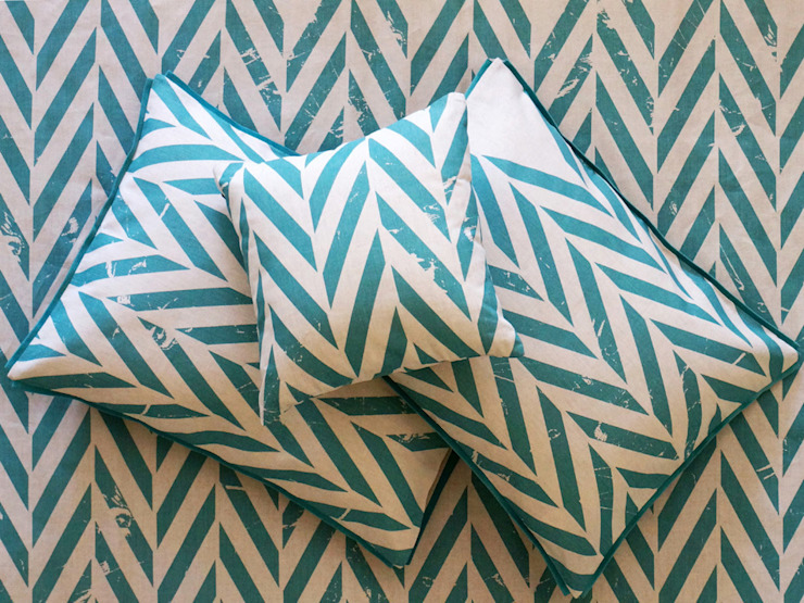 ZIGZAG printed linen bedding by Lovely Home Idea de LOVELY HOME IDEA Escandinavo