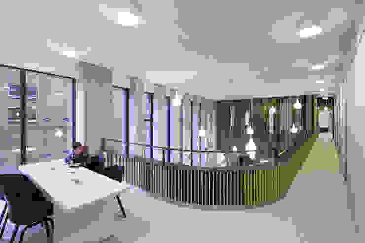 Tricotage Moderne evenementenlocaties van LEVS architecten Modern