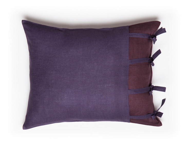 Purple Provence Dream linen bedding by lovely Home Idea od LOVELY HOME IDEA Nowoczesny