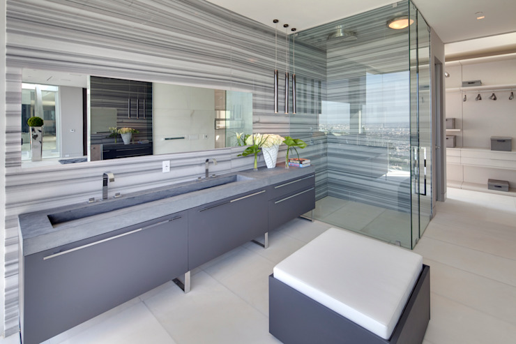 SUNSET STRIP RESIDENCE Modern bathroom by McClean Design Modern