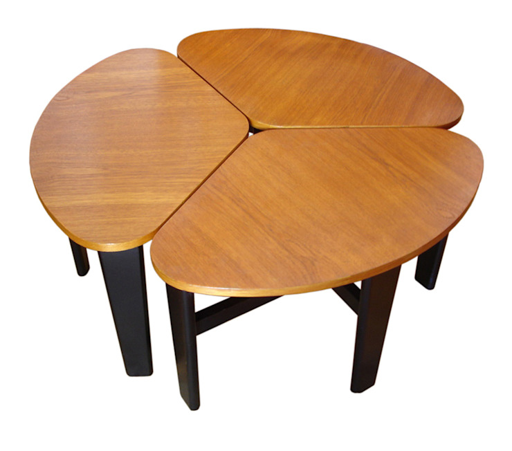 Clover Table: modern  by In My Room, Modern