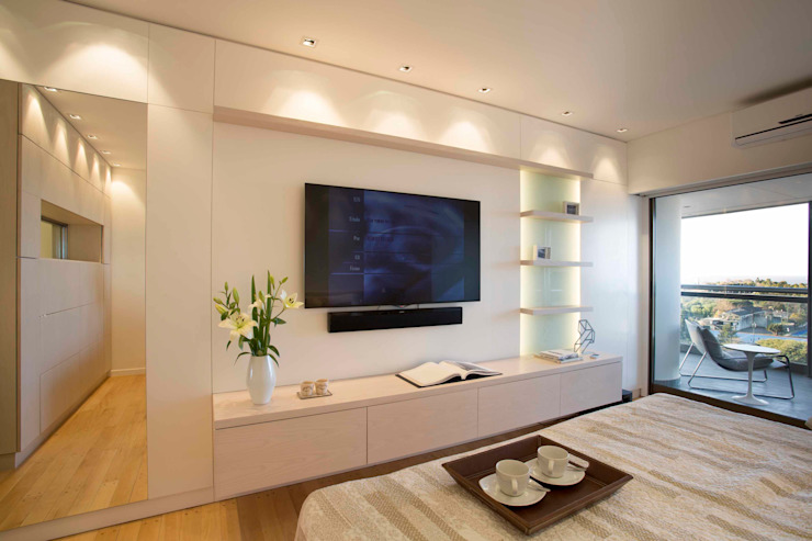 LIVE IN Modern style bedroom