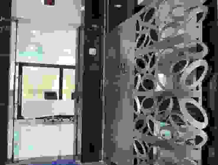 office kamal carporation Modern study/office by manoj bhandari architects Modern