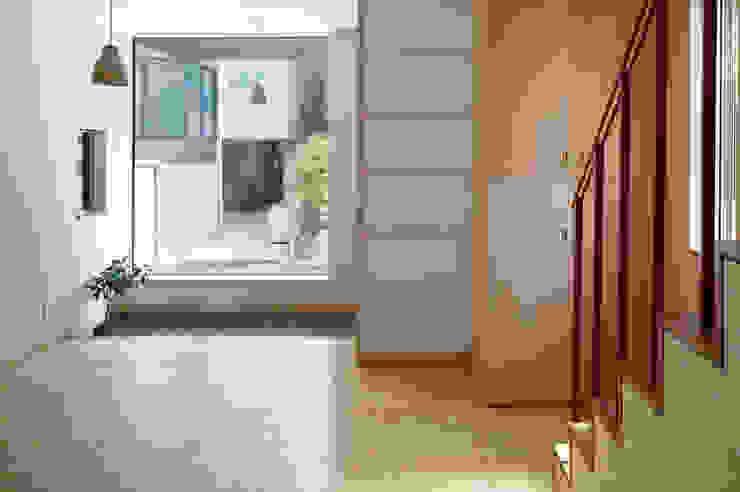 中野南台の家 The house of Nakano wooden fire-resistance オリジナルデザインの リビング の 荻原雅史建築設計事務所 / Masashi Ogihara Architect & Associates オリジナル