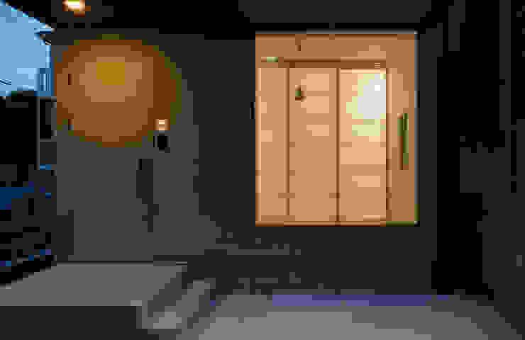 中野南台の家 The house of Nakano wooden fire-resistance オリジナルな 窓&ドア の 荻原雅史建築設計事務所 / Masashi Ogihara Architect & Associates オリジナル
