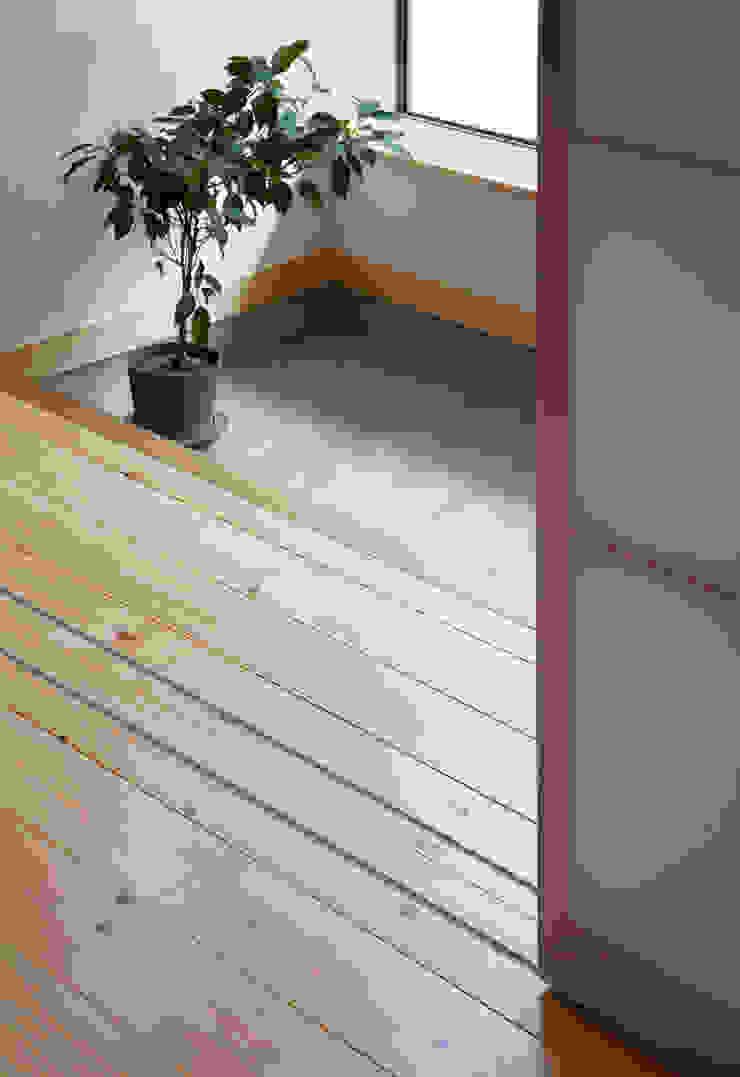 中野南台の家 The house of Nakano wooden fire-resistance オリジナルな 壁&床 の 荻原雅史建築設計事務所 / Masashi Ogihara Architect & Associates オリジナル