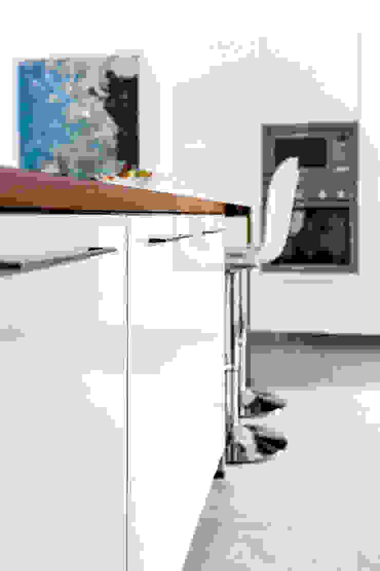 Vollendetes Design, das den Geldbeutel schont Moderne Küchen von Schmidt Küchen Modern