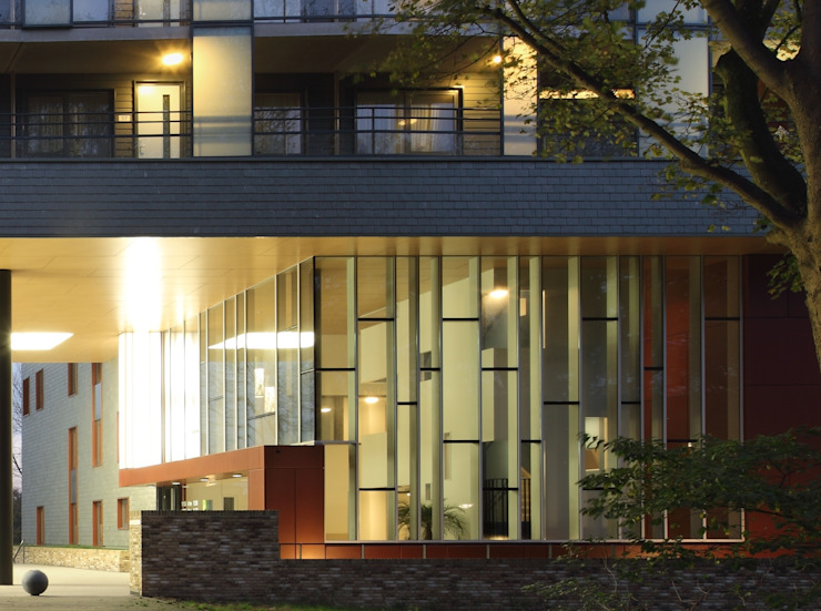 Wijndaelerplantsoen Moderne huizen van HVE Architecten bv Modern