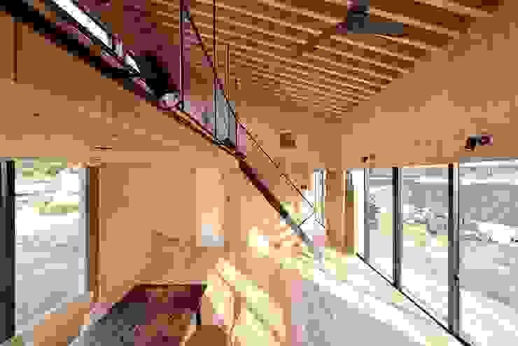 Modern dining room by 株式会社長野聖二建築設計處 Modern
