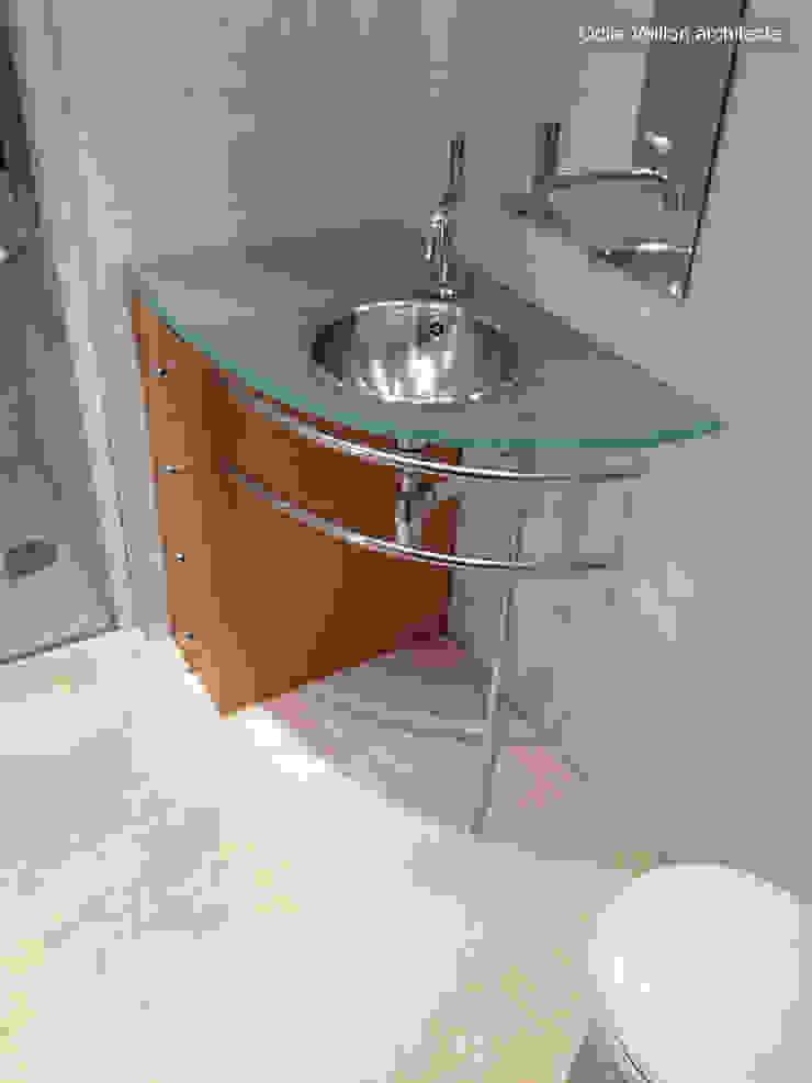 LOFT R—PARIS XI Industrial style bathroom by Agence d'architecture Odile Veillon / ARCHI-V.O Industrial