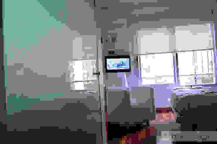 28 m2, oficina + estudio. de MinBai Minimalista