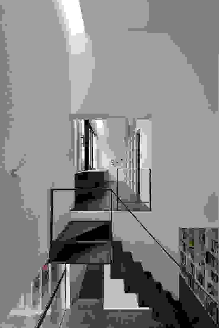 株式会社長野聖二建築設計處 Коридор