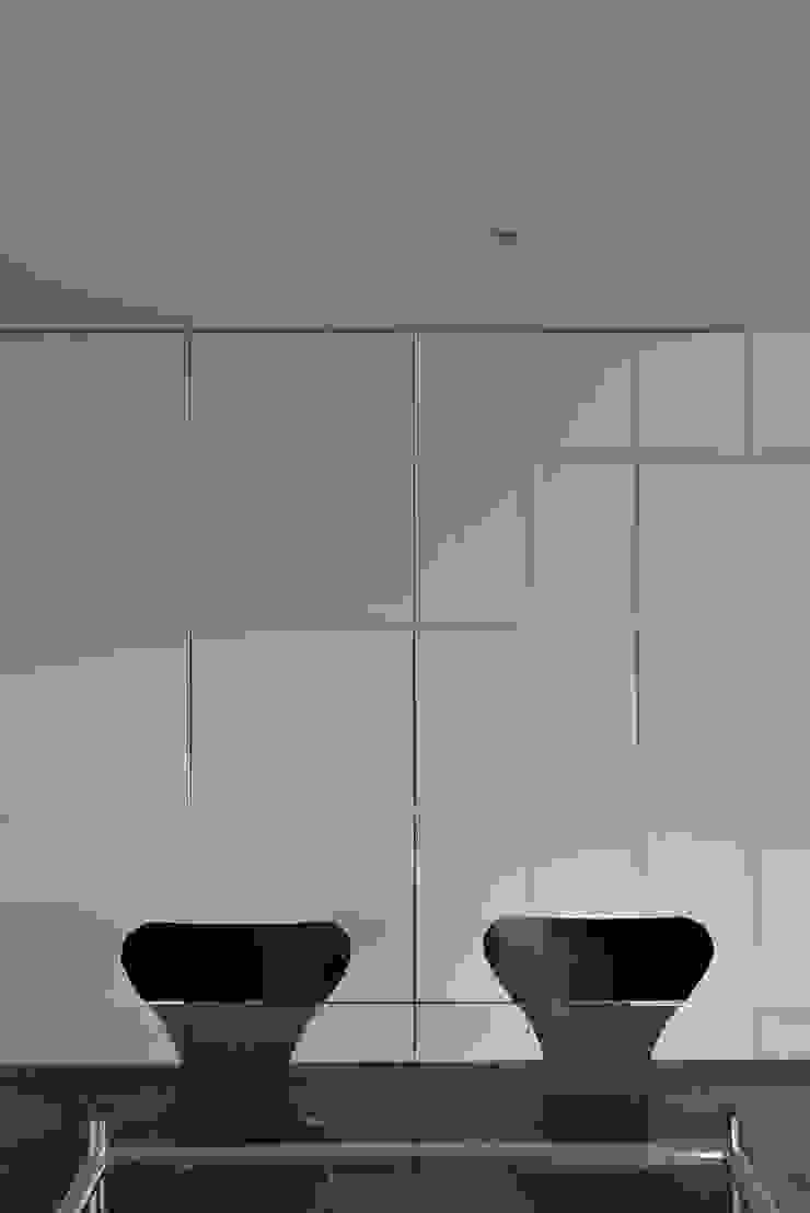 MO-HOUSE モダンデザインの 多目的室 の 株式会社長野聖二建築設計處 モダン