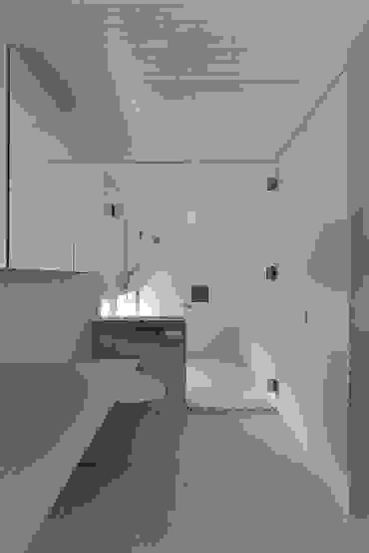 MO-HOUSE モダンスタイルの お風呂 の 株式会社長野聖二建築設計處 モダン