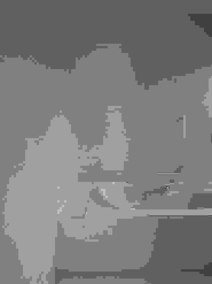 h13t モダンスタイルの お風呂 の aoydesign 株式会社アオイデザイン モダン