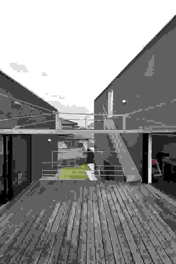 MO-HOUSE モダンデザインの テラス の 株式会社長野聖二建築設計處 モダン