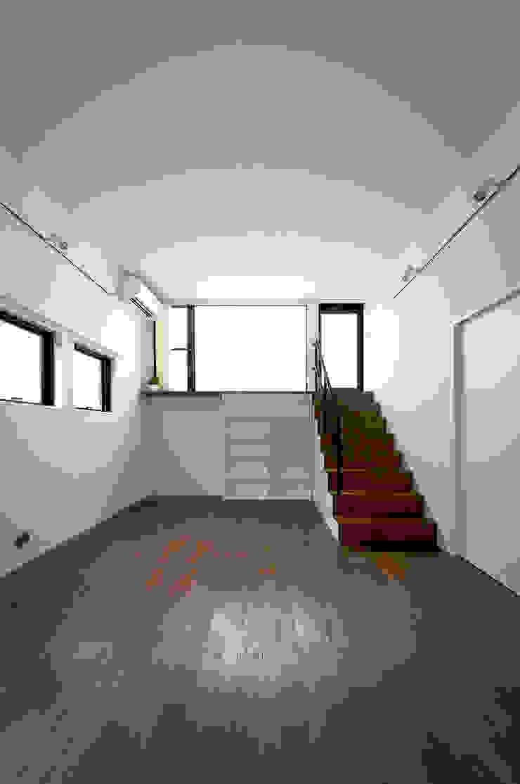 ノスタルジックグリーンハウス オリジナルデザインの リビング の ラブデザインホームズ/LOVE DESIGN HOMES オリジナル