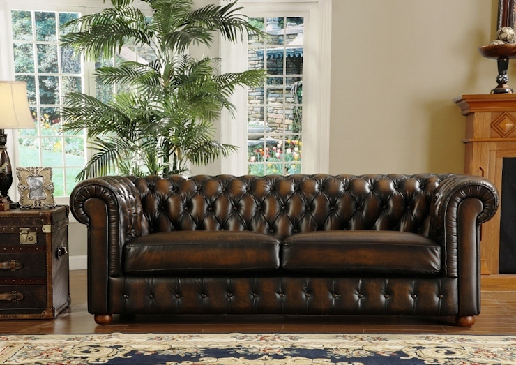Vintage Chesterfield Leather Sofa designed by LOCUS HABITAT: classic  by Locus Habitat,Classic