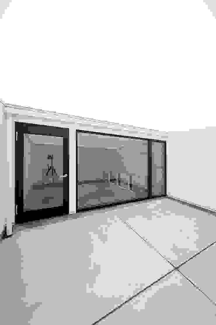 ノスタルジックグリーンハウス オリジナルデザインの テラス の ラブデザインホームズ/LOVE DESIGN HOMES オリジナル