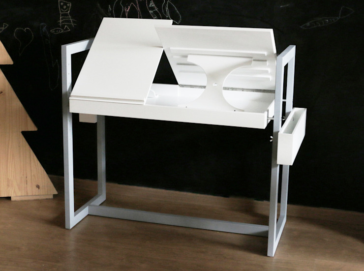 TABLE BUREAU ADAPTABLE POUR ENFANTS ET ADULTES par LOUIS SICARD Minimaliste